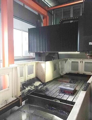 大型CNC模具加工设备